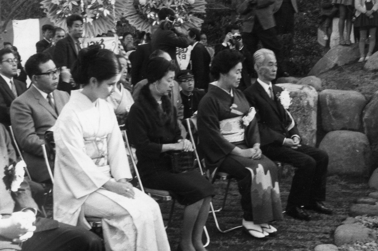 伊豆の踊子文学碑除幕式3